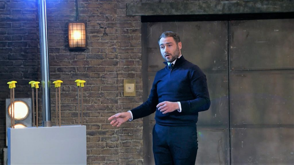 FormaALight product demo in the Dragons' Den