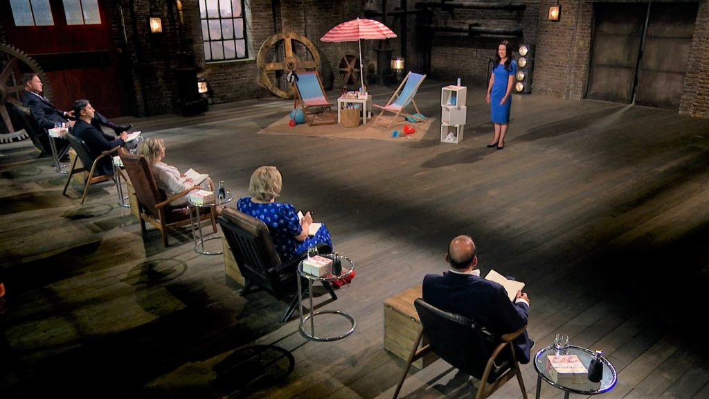Beach Powder product demo in the Dragons' Den